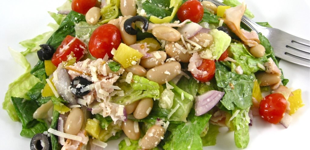Mediterranean-Salad-Skinny-and-Delicious