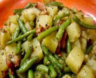 the-amazing-crockpot-ham-green-beans-and-potatoes