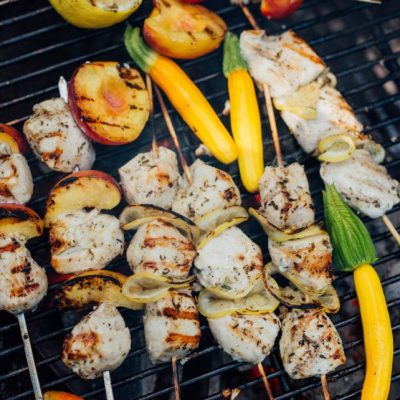 SPICY GRILLED PEACH AND CHICKEN KABOBS