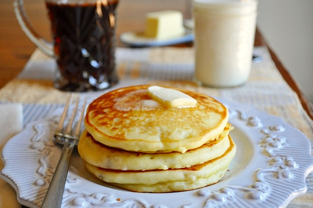 Banana Pancakes with Nutmeg Syrup