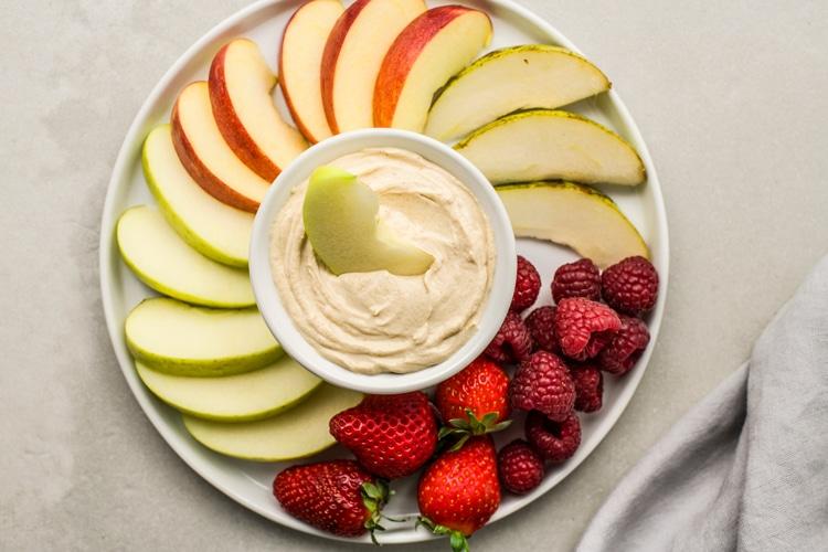 Skinny Peanut Butter Yogurt Dip