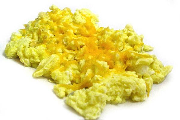 How to Make Perfect Skinny Scrambled Eggs